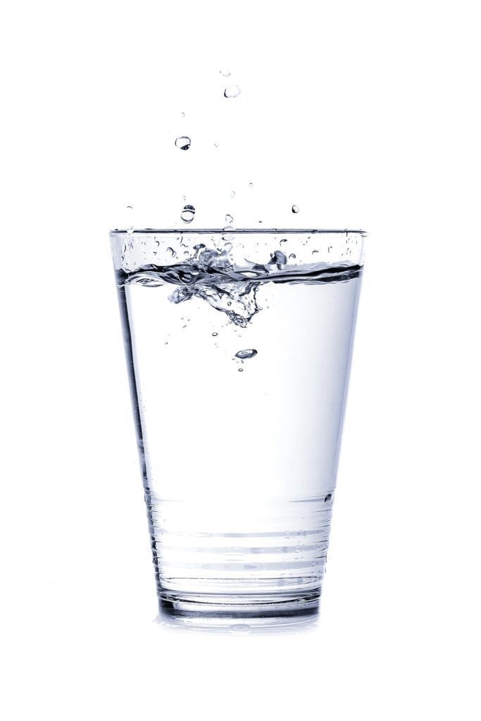 Glas Wasser   natürliche Fatburner